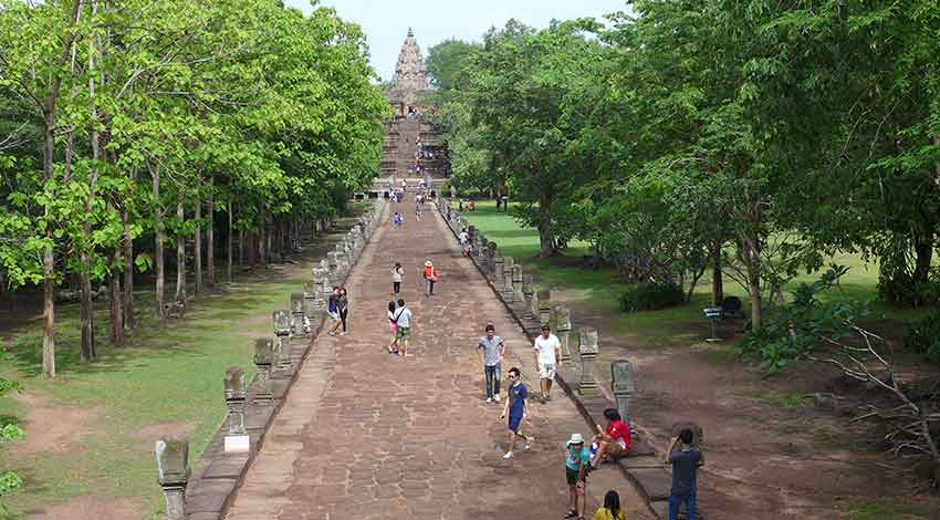 Phanom Rung - the long alley bordered with Naga statues